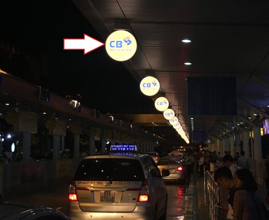 Quảng cáo hộp đèn sân bay - Thắp sáng thương hiệu
