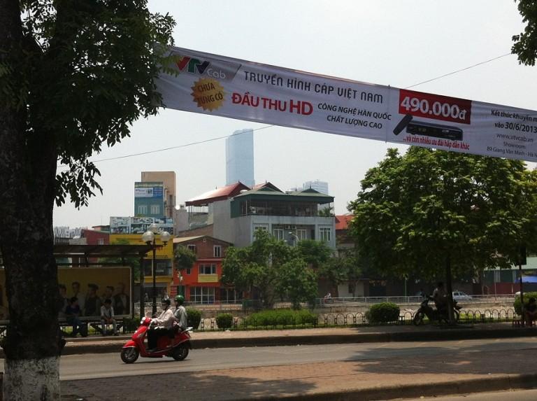 Treo băng rôn ngang quảng cáo tại Hà Nội