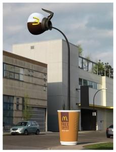 Bạn có muốn lưu lại cho mình một tấm hình với cây cột đèn Mc Donald's độc đáo này không ?