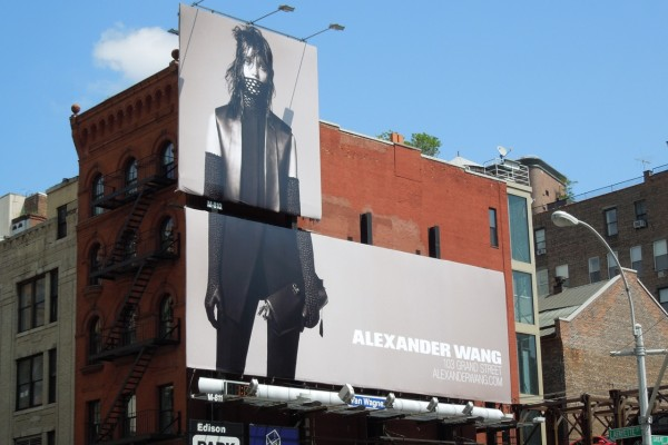 billboard_whitelotus