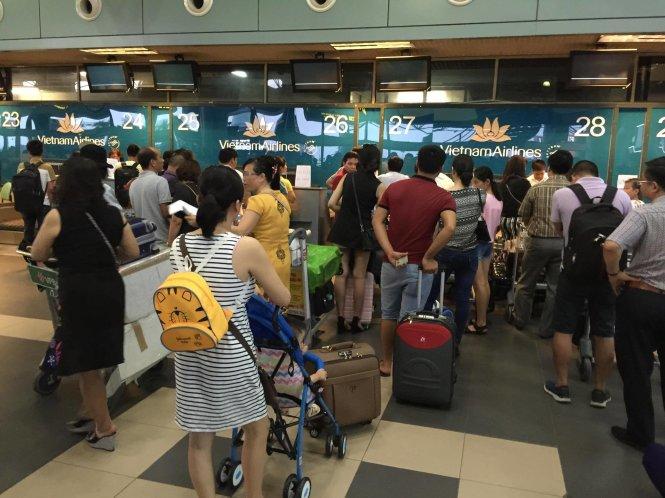 quảng cáo sân bay Nội Bài