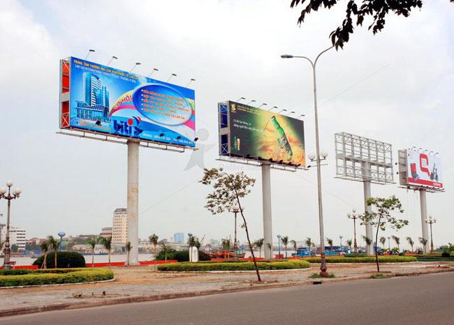 bien-quang-cao-billboard-hang-loat