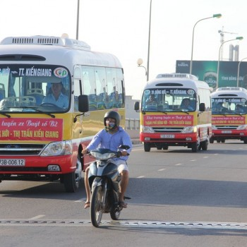 quang-cao-xe-bus-quang-binh