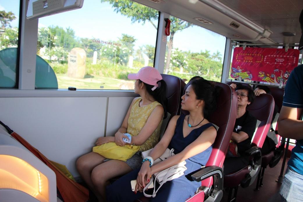Chỗ ngồi tiện nghi, thoải mái để các du khách tận hưởng trọn vẹn hành trình