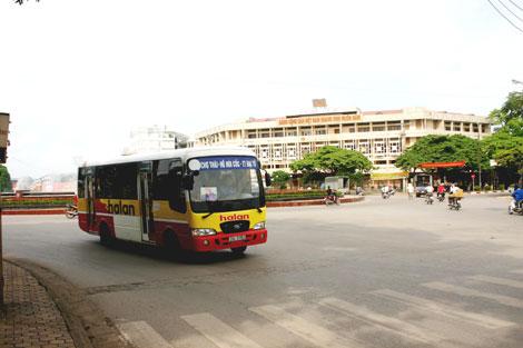 xe-bus-ha-lan
