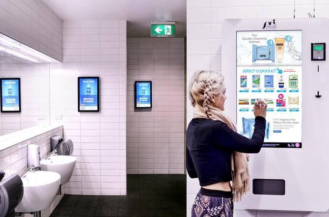 Mô hình quảng cáo ở phòng vệ sinh