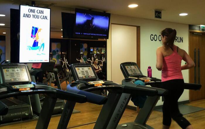 Bảng quảng cáo LCD trong phòng tập Gym